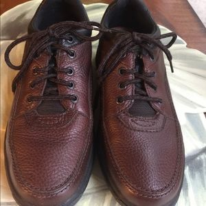 ROCKPORT MENS BROWN PEBBLE LEATHER SHOES SIZE 10M